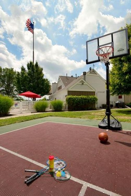 Hawthorn Suites by Wyndham Airport Columbus East - Columbus - Attractions