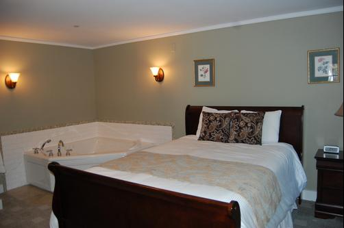 Cranmore Inn - North Conway - Queen bedroom