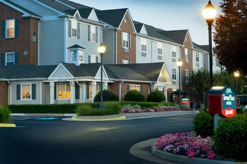 TownePlace Suites by Marriott Dulles Airport - Sterling - Building
