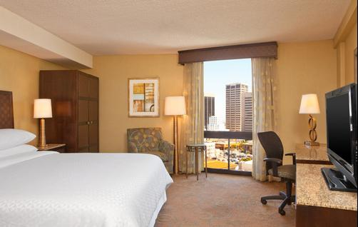 Four Points by Sheraton San Diego Downtown - San Diego - King bedroom