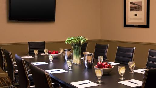 Four Points by Sheraton Kalamazoo - Kalamazoo - Business center