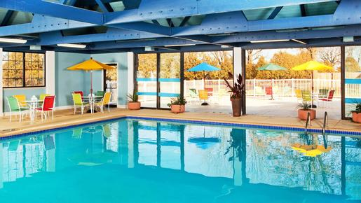 Four Points by Sheraton Kalamazoo - Kalamazoo - Pool