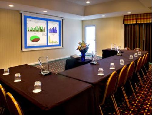 Hawthorn Suites by Wyndham Philadelphia Airport - Philadelphia - Conference room