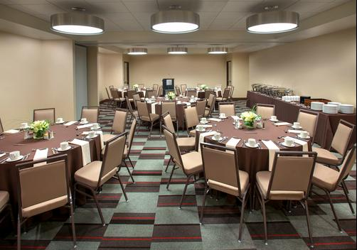 Four Points by Sheraton Charleston - Charleston - Conference room