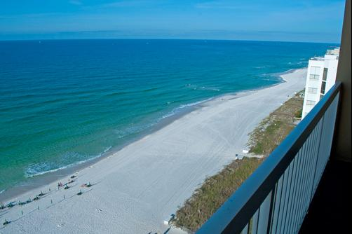 Pelican Beach Resort & Conference Center - Destin - Beach