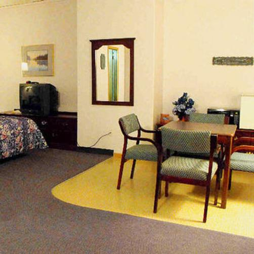 The Bluffs Inn And Suites - Decorah
