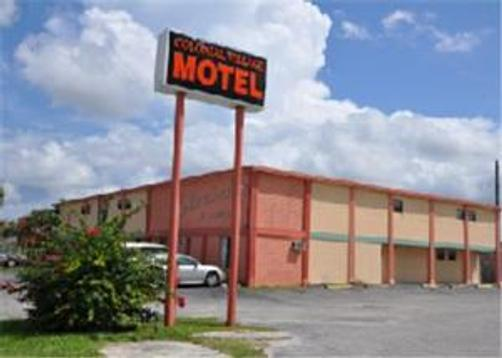 Colonial Village Motel - Lake Worth - Building