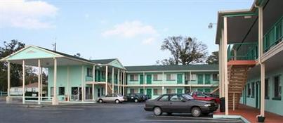 Fountain Inn & Suites