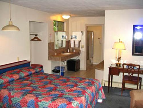 Parker's Motel - Lincoln - Bedroom