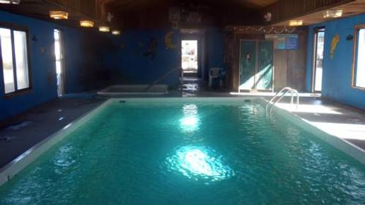 Blue And White Motel - Kalispell - Pool