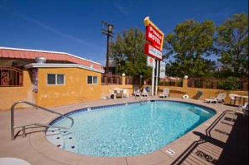 Trails Motel - Lone Pine - Pool