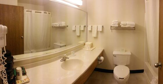 Comfort Inn - Ozark - Bathroom