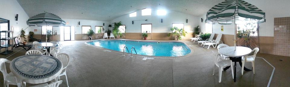 Comfort Inn - Ozark - Pool