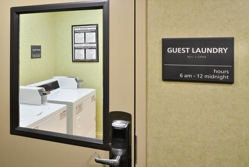 Hampton Inn & Suites-Atlantic Beach - Pine Knoll Shores - Laundry facility