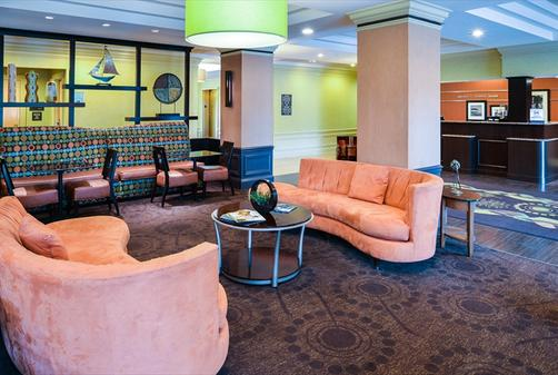 Hampton Inn & Suites-Atlantic Beach - Pine Knoll Shores - Lobby