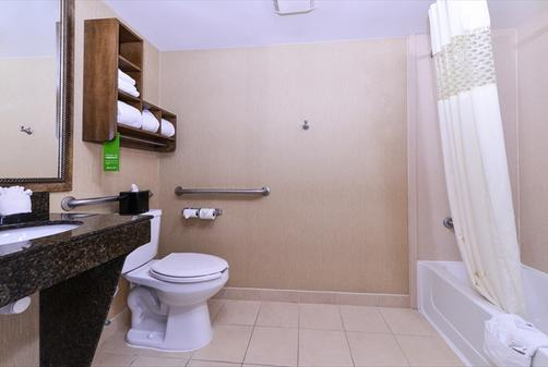 Hampton Inn & Suites-Atlantic Beach - Pine Knoll Shores - Bathroom
