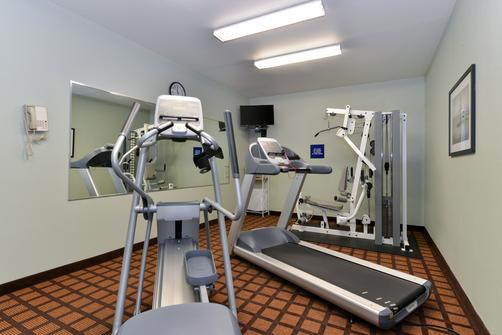 Microtel Inn & Suites by Wyndham Ft. Worth North/At Fossil - Fort Worth - Gym