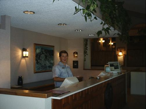 Ptarmigan Inn - Steamboat Springs - Front desk