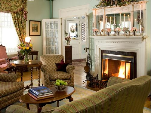 Rookwood Inn - Lenox - Living room