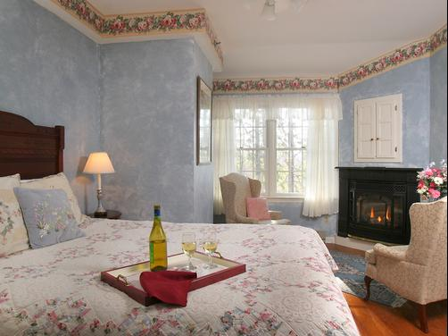Rookwood Inn - Lenox - Bedroom