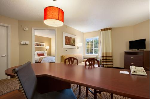 Hawthorn Suites by Wyndham Denver Tech Center - Centennial - Bedroom