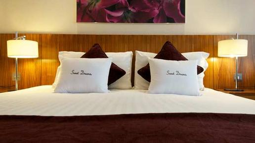 DoubleTree by Hilton Hotel London - Victoria - London - Bedroom