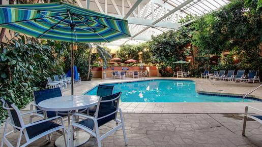 Hotel Eleganté Conference & Event Center - Colorado Springs - Pool