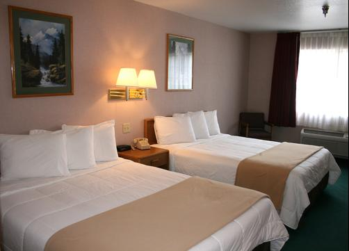 Allington Inn and Suites - South Fork - Queen bedroom