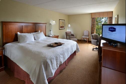 Hampton Inn Raleigh-Capital Blvd. North - Raleigh - King bedroom